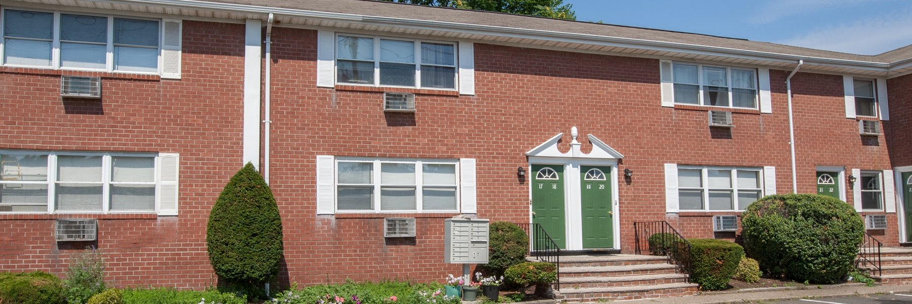 Dahnert Park Apartments For Rent in Garfield, NJ Building View
