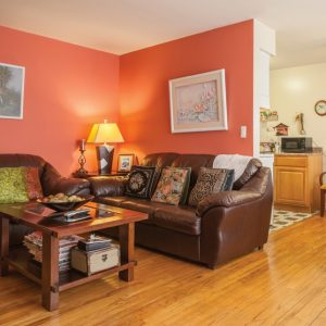 Dahnert Park Apartments For Rent in Garfield, NJ Livingroom